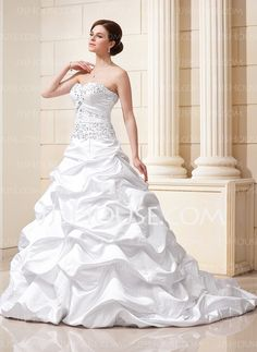 Ball-Gown Sweetheart Court Train Satin Wedding Dresses With Lace Beadwork (002012635) $134.29