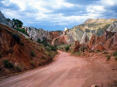 Road through the Grand Staircase-Escalante National Monument in Utah