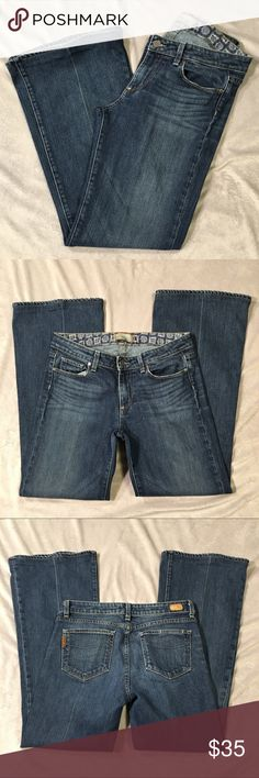 "Paige Robertson wide leg medium wash jeans 30 Excellent condition. No flaws noted.  Professionally hemmed.  Minor wear at hem  Measurements are approximate with the garment laid flat.  Waist 16"" Rise 8.5"" Inseam 29.5"" Paige Jeans Jeans Flare & Wide Leg"