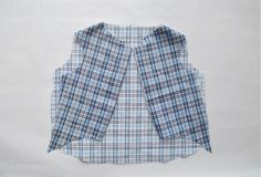 Hawaiian style shirt, squares, for a wedding, etc .make a dog shirt! Dog Clothes Patterns, Coat Patterns, Shirt Patterns, Puppy Clothes, Diy Clothes, Dog Coat Pattern, Dog Wear, Dog Dresses, Dog Coats