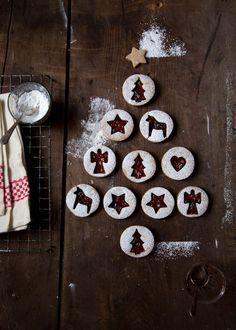 linzer cookies with raspberry jam