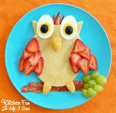 Owl Pancake Breakfast - love the strawberry feathers!
