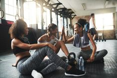Hitting the gym for the first time can be intimidating. This plan provides a week's worth of workouts to get you started, which you can build on over time. Teen Workout Plan, Workout Plan For Beginners, Post Workout, Soccer Workouts, Workouts For Teens, Gym Workouts, Gym Personal Trainer, Gym Trainer, Trainer Fitness