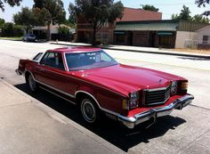 1977 Ford LTD II Brougham. When FoMoCo made one body style with many different model names! Ford Ltd, Ford Classic Cars, Vintage Cars, Vintage Auto, Vintage Style, Us Cars, Ford Motor Company, Station Wagon, Car Photos