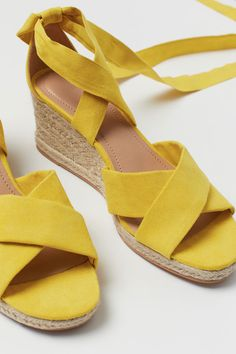 Sandals in faux suede with straps to tie around ankle. Wedge heels covered in braided jute. Faux leather insoles and thermoplastic rubber (TPR) soles. Espadrilles Outfit, Sandals Outfit Summer, Cute Sandals, Wedge Sandals, Heeled Sandals, H&m Shoes, Fashion Shoes, Butterfly Art, Shopping