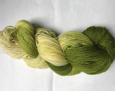 100 g handgefärbte Sockenwolle Farbe: Gänseblümchen, hand-dyed sockyarn