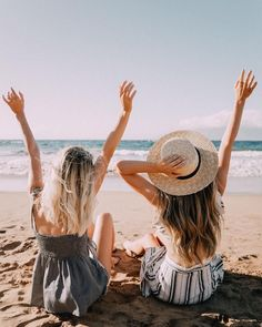 40 Swimsuits That Will Get You All The Compliments 40 Stylish Swimsuits We Love for Summer Cute Beach Pictures, Hawaii Pictures, Cute Friend Pictures, Friend Pics, Tumblr Summer Pictures, Lake Pictures, Cruise Pictures, Cute Swimsuits, Cute Friends