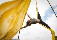 Acrobacias en telas. lira, trapecio, cuerdas y más...