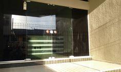 Ref.SA0020- Sala comercial situada próximo à Prefeitura, Shopping São José, Teatro Sesi e quase esquina com o calçadão da Rua XV de Novembro. Possui 05 salas e 02 banheiros sociais. Área Total 85m² Valor de Locação: R$1.800,00 Agende uma visita e acesse http://www.otimoveis.com.br/imovel-detalhes.aspx?ref=sa0020
