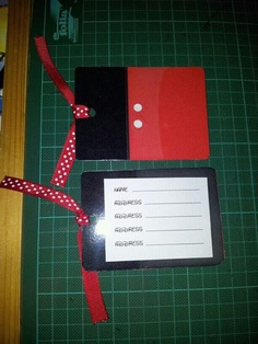 Disney DIY luggage Tags !! So many ways to change up a luggage tag to add bling for a girl or basic for a guy gift!!!