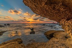 Cave & Sea by Isam Telhami #xemtvhay