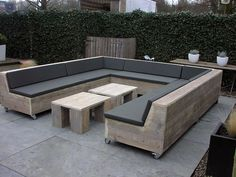 Attractive Outdoor Pallet Furniture Plans- Attraktive Paletten-Möbel-Pläne im Freien Attractive Outdoor Pallet Furniture Plans - Pallet Furniture Plans, Diy Outdoor Furniture, Lounge Furniture, Garden Furniture, Outdoor Decor, Outdoor Pallet, Space Furniture, Wood Furniture, Bedroom Furniture