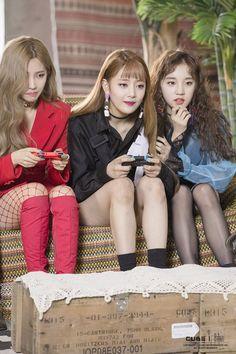 soyeon, minnie, yuqi g idle Kpop Girl Groups, Korean Girl Groups, Kpop Girls, K Pop, Oppa Gangnam Style, Rapper, Soo Jin, Cube Entertainment, Fandom
