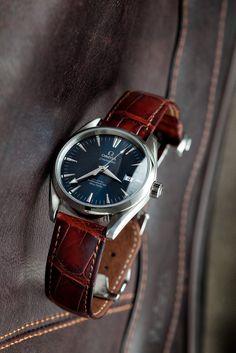 Cal. 2500 Omega Seamaster Aqua Terra blue dial, ref. 2803.80.37 Hirsch alligator strap.
