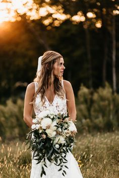 Louis-based florist for weddings, corporate, special and nonprofit events on Sisters Floral Design Studio… Bridesmaid Bouquet, Bridesmaids, Wedding Flowers, Wedding Dresses, Wedding Designs, Blush Pink, Boho Fashion, Floral Design, Bridal