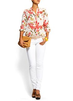 Floral top and white jeans outfit