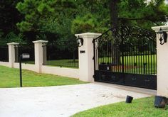 Front Yard Fence With Driveway Gate - Driveway fence modern driveway front yard fence fence gate fencing front gates entrance gates. Plus a well designed driveway gate can serve as a focal. Brick Fence, Front Yard Fence, Front Gates, Metal Fence, Entrance Gates, Bamboo Fence, Fence Gate, Gabion Fence, Low Fence