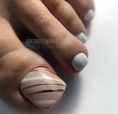Pedicure Designs, Pedicure Nail Art, Toe Nail Designs, Toe Nail Art, Pretty Toe Nails, Love Nails, Summer Toe Nails, Toe Polish, Chic Nails
