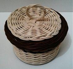 ribisska / Košík ihelníček Wicker Baskets, Home Decor, Decoration Home, Room Decor, Home Interior Design, Home Decoration, Woven Baskets, Interior Design