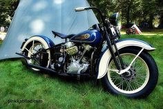 harley davidson | Tumblr #HarleyDavidsonBobbers #HarleyDavidsonChoppers Harley Davidson History, Motos Harley Davidson, Vintage Harley Davidson, American Motorcycles, Custom Motorcycles, Custom Bikes, Indian Motorcycles, Harley Panhead, Motorcycle Manufacturers