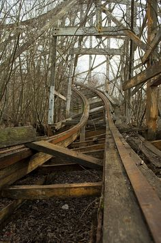 Abandoned rollercoaster | Amazing Architecture #architecture, #houses, #pinsville