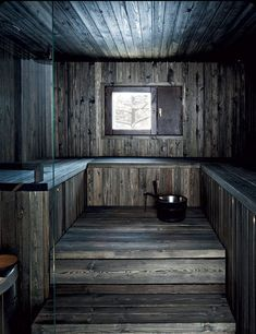 Tumma sauna on isännän mielestä paras osa kylpyhuonetta… Sauna Design, Home Gym Design, House Design, Design Design, Interior Design, Sauna House, Sauna Room, Rustic Saunas, Natural Swimming Pools