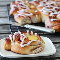 RABARBRASIRUP | TRINES MATBLOGG Norwegian Food, Iftar, Baked Potato, Hot Dogs, Sausage, Sweets, Meat, Ethnic Recipes, Desserts