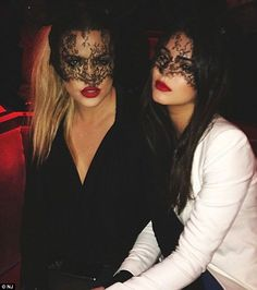 khloe kardashians lipstick -
