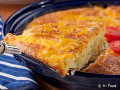If your family loves baked macaroni and cheese, then they& going to be so excited when you serve & a slice of this Macaroni and Cheese Pie. And, since you don& have to pre-cook the macaroni, you better believe this baked mac n cheese recipe is extra easy! Cheese Recipes, Pie Recipes, Casserole Recipes, Great Recipes, Cooking Recipes, Favorite Recipes, Bisquick Recipes, Pasta Recipes, Gourmet