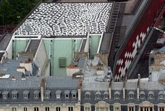 Lena Nydbi - Artwork on the roof of Quai Branly Museum, Paris. Image via japantimes.co.jp