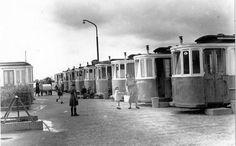 Groningen<br />De stad Groningen: Friesestraatweg 70-106 met het Tramdorp Kostverloren.waar men noodwoningen in afgedankte tramwagons heeft gemaakt in de 60er jaren