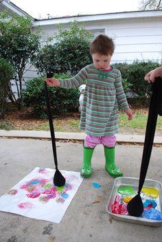 Peuters kunnen dotpainting maken en jojoschilderen - Moeders