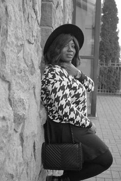 The AfroFusion Spot, black and white, black, whit, print, nature, hat, boots, fashion, style, fab, ootd, wiw, details, combat boots, boots, shoes, bag, purse, tights, chic, accessories, blogger, African blogger, toronto, toronto blogger