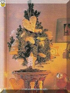 vcielkaisr-mojerecepty: Medovníky na stromček Painting, Art, Art Background, Painting Art, Kunst, Paintings, Performing Arts, Painted Canvas, Drawings