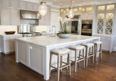 Rooms I Love: Beauitful Living Rooms, Kitchens, Dining Rooms and More