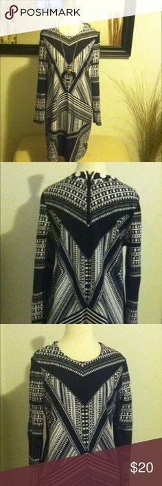 HOST PICK!!!  Pretty Black/White Pattern Dress This cute dress zips up in the back. H&M Dresses