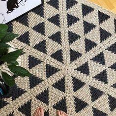 Carpet Runners For Hall Ikea Referral: 1166800040 Diy Carpet, Beige Carpet, Painting Carpet, Knit Rug, Crochet Carpet, Crochet Rug Patterns, Crochet Decoration, Bedroom Carpet, Bath Rugs