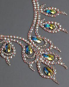 Bead Embroidery Patterns, Beaded Embroidery, Crystal Bracelets, Crystal Earrings, Rhinestone Jewelry, Beaded Necklace, Bordados Tambour, Ballroom Jewelry, Motifs Perler