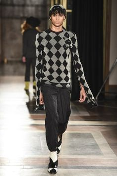 See the complete Wales Bonner Fall 2017 Menswear collection.