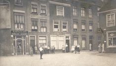 The Gerecht square (Court of Justice square) ⚖ in Leiden used to be a place for execution and was often called 'Het Groene Zoodje'.…