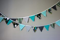 Fabric Bunting Tutorial  A Michael Miller Fabric Giveaway! Could do this in Christmas fabrics to bring some seasonal fun to the house!