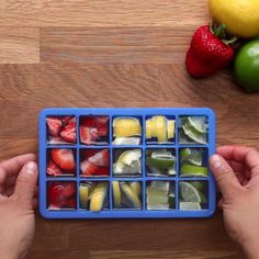 Nutrition & Recette : Illustration Description 6 Ice Cube Tray Hacks To Save Your Food Good Food, Yummy Food, Food Videos, Hacks Videos, Cooking Videos, Tasty Videos, Diy Food, Food Hacks, Diy Hacks