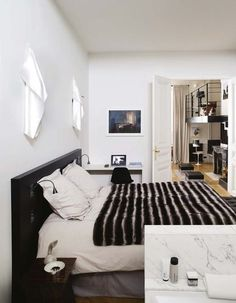 The room opens onto the bathroom and the living room Awesome Bedrooms, Comfort Zone, My Room, Future House, Architecture Design, Interior Decorating, Interior Design, Master Bedroom, Living Room