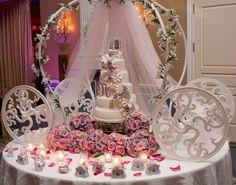 Disney Fantasy Wedding Cakes | WOW! Cinderella carriage cake stand!