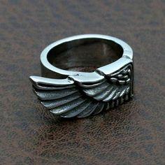 Tenho asas até no dedo
