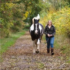 Here are 31 fun and useful things to do with your horse – other than riding… Bonding Time Take your horse for a walk and explore the neighborhood. Let your horse graze, sniff and see ne…