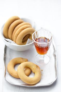 Bussolà buranelli (biscottini tipici veneti) Some wonderful Italian recipes on this site! They are written in Italian so I use Google to translate.