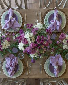 Purple Table Settings, Beautiful Table Settings, Thanksgiving Table Settings, Christmas Table Settings, Christmas Tables, Holiday Tables, Summer Centerpieces, Table Centerpieces, Brunch Decor