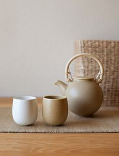 Just my cup of tea!!! Handcrafted in Japan, this traditional style pot is known as a dobin, as the handle sits at the 'shoulders', above the body of the pot itself. Best suited to green and oolong teas.