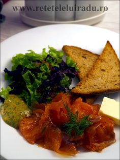 Gravlax, mustard sauce, butter and toasted rye bread